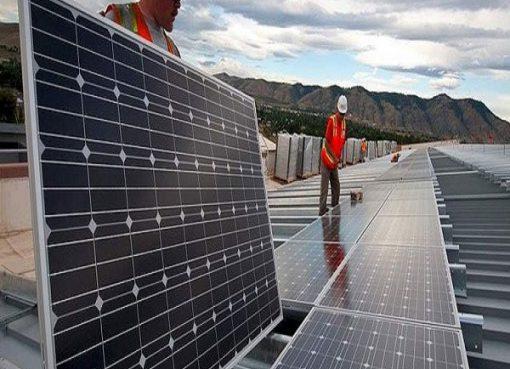 مدارس جزائرية تعتمد الطاقة الشمسية بديلاً عن الكهرباء