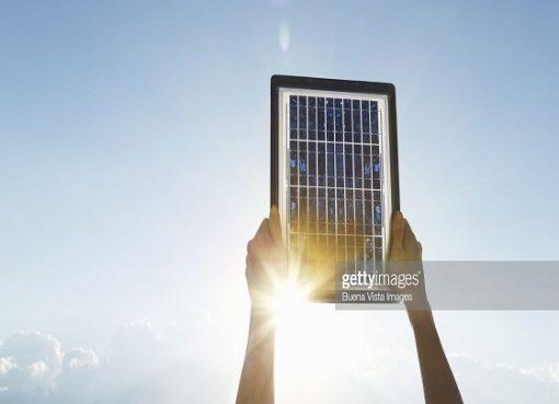 Energie solaire: l'Algérie prête pour la réalisation du projet national de production de 5600 MW d'électricité