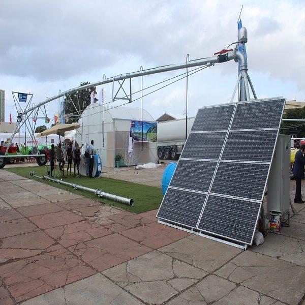 Installation d'un pivot solaire pour l'irrigation par L'UDES/CDER