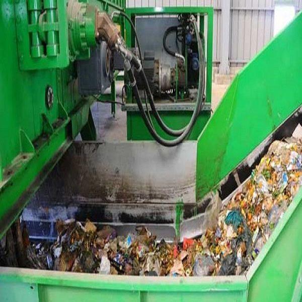 للتخلص من المواد العضوية السامة التي تحتويها الشروع قريبا في استغلال 33 محطة لتصفية عصارة النفايات