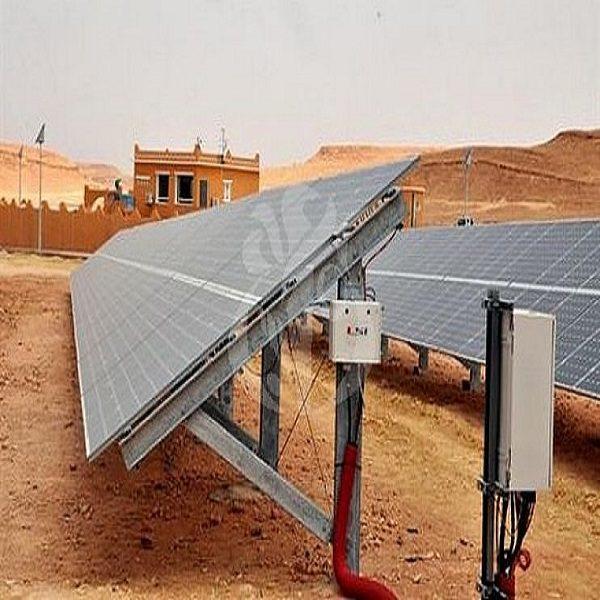 الجزائر تعتزم إنشاء صناعة وطنية للطاقة الشمسية
