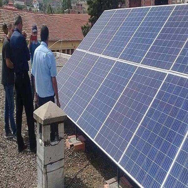 Bouzeguene L'école du chef-lieu d'Illoula Oumalou se met à l'énergie solaire