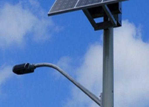 الرئيس تبون يأمر بالاستخدام الفوري للطاقة الشمسية في الإنارة العمومية عبر كل بلديات الوطن