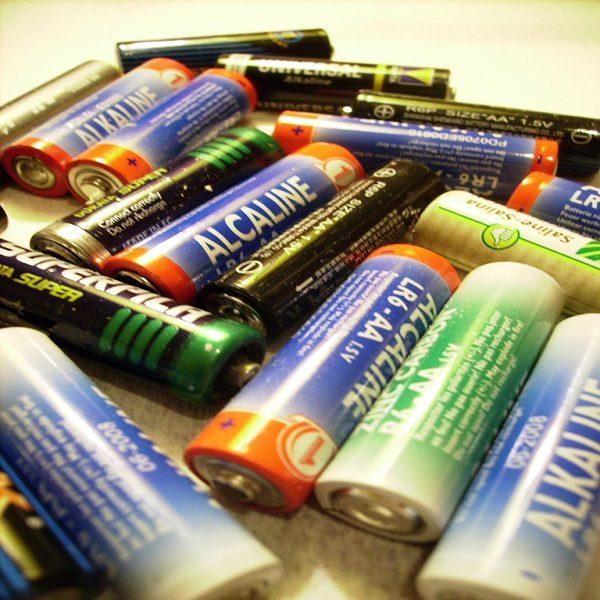 Piles et batteries en Algérie : Près de 600 millions de piles dans la nature chaque année