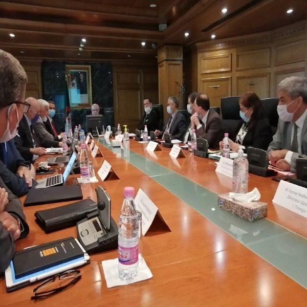 Réunion interministérielle consacrée à l'impact des activités industrielles sur l'environnement