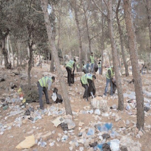 منذ بداية الحجر الصحي: جمع ما يفوق 32 طنا من النفايات بغابة باينام