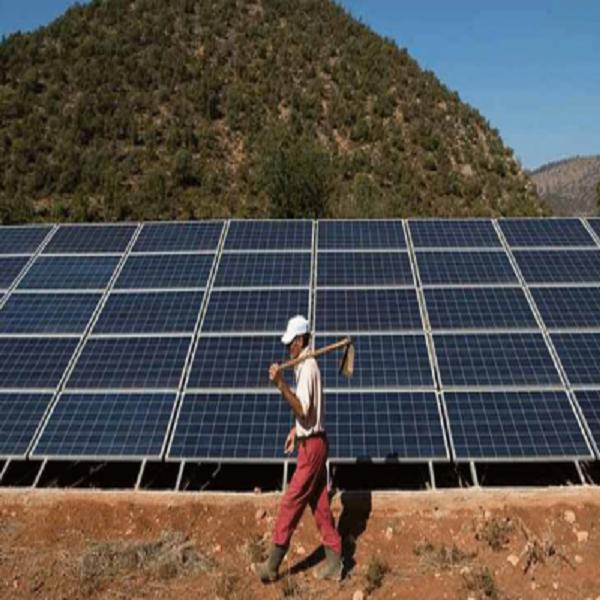 """مدير مركز تنمية الطاقات المتجددة، سعيد ضياف:: حسبما جاء في بيان لها """"الإشعاع الشمسي في الجزائر الأحسن في العالم"""""""