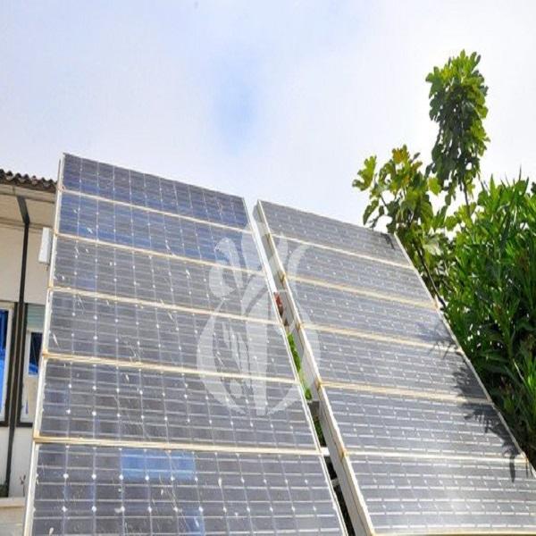 شيتور: الجزائر قادرة على انتاج طواقم شمسية