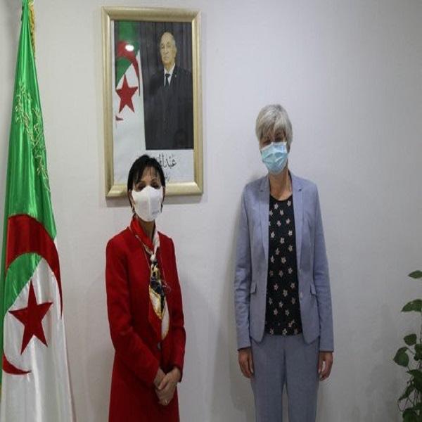 الجزائر-هولندا: بحث سبل تعزيز التعاون بين البلدين في قطاع البيئة