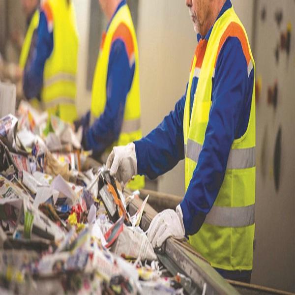 Dicté par des impératifs environnementaux et économiques Le recyclage : quel bilan et quelles perspectives