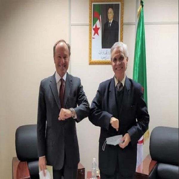 Algérie-Italie: la coopération dans le domaine de la transition énergétique évoquée