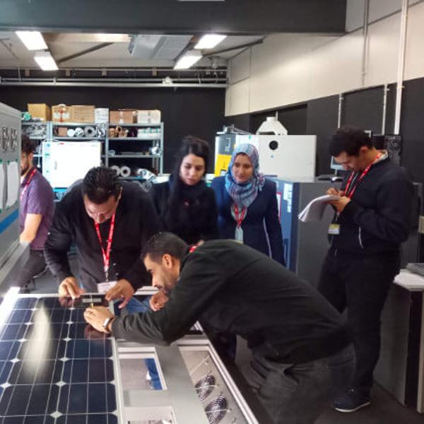 Energie solaire: trois laboratoires de contrôle qualité en voie d'accréditation