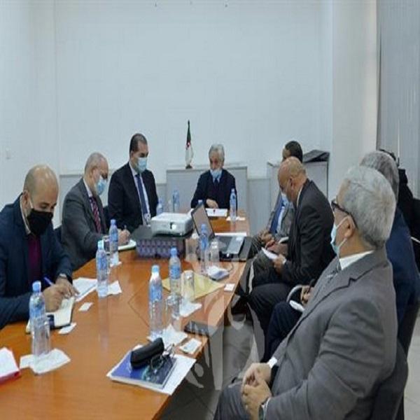 Chitour évoque avec la CAPC le rôle des entreprises dans la transition énergétique