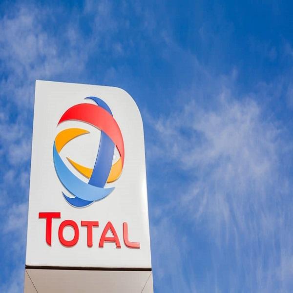 Total annonce acheter 20% de l'indien Adani Green Energy, le principal développeur solaire au monde