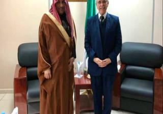 شيتور يتباحث فرص التعاون في مجال الطاقات المتجددة مع سفير السعودية بالجزائر