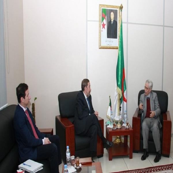 شيتور يتباحث فرص التعاون والشراكة بين الجزائر وإسبانيا في الطاقات المتجددة