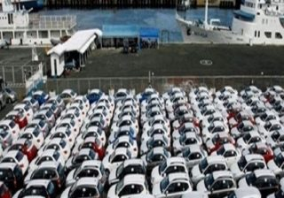 إستيراد السيارات الجديدة : تبون يؤكد على اعتماد مقاربة تجمع بين التبسيط و الفعالية